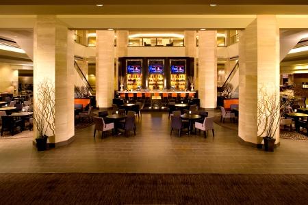 Lobby & Mix Lounge